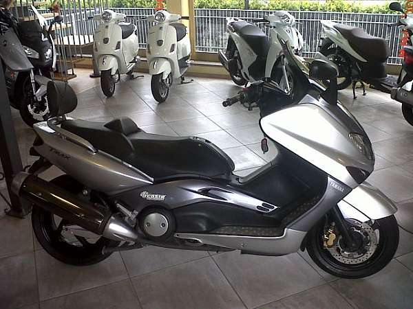 Yamaha T-MAX 500