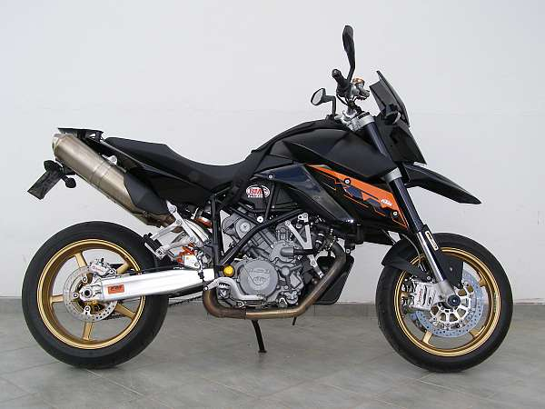 KTM 990 SUPERMOTO